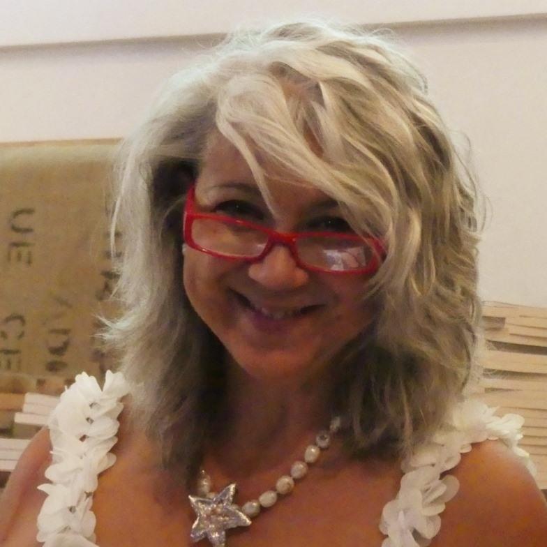 """<a href=""""https://www.facebook.com/susanna.piras.7505""""rel=""""nofollow""""target=""""_blank"""">Susanna Piras</a>"""